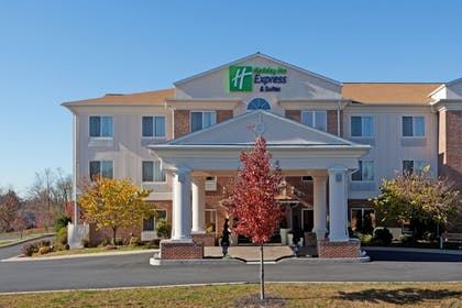 Featured Image | Holiday Inn Express Hotel & Suites Lancaster-Lititz