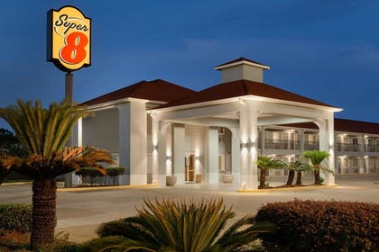 Exterior | Super 8 by Wyndham Lake Charles Northeast