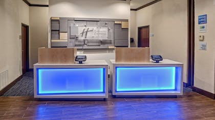 Hotel Interior | Holiday Inn Express Hotel & Suites Corsicana