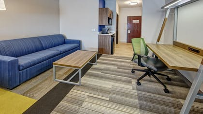 Guestroom | Holiday Inn Express Hotel & Suites Corsicana