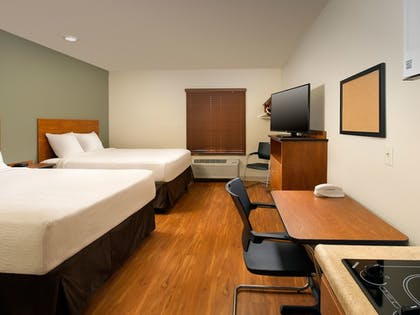 Guestroom | WoodSpring Suites Oklahoma City Southeast