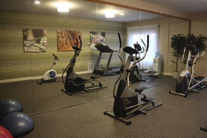 Fitness Facility | Holiday Inn Express Munising-Lakeview