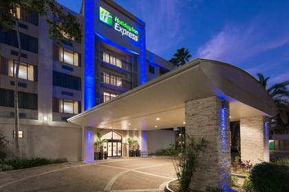 Exterior | Holiday Inn Express Hotel & Suites Ft. Lauderdale-Plantation