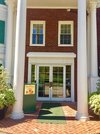 Hotel Entrance | Mid Pines Inn & Golf Club