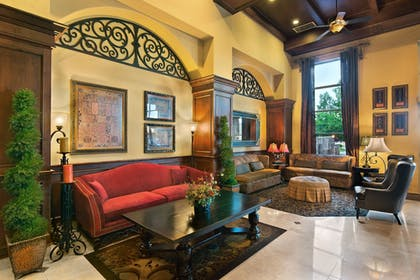 Lobby Sitting Area | Oxford Suites Boise