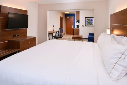 Guestroom | Holiday Inn Express Hotel & Suites Urbana-Champaign