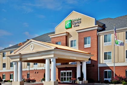 Exterior | Holiday Inn Express Hotel & Suites Urbana-Champaign