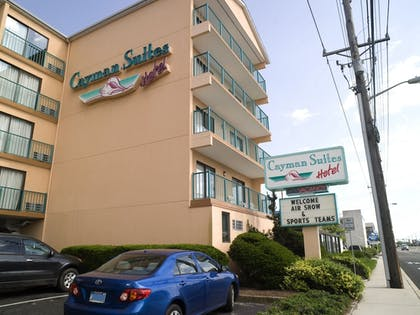 Hotel Front | Cayman Suites Hotel