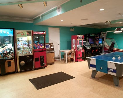 Game Room | Cayman Suites Hotel