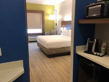 Guestroom | Holiday Inn Express & Suites Rio Grand
