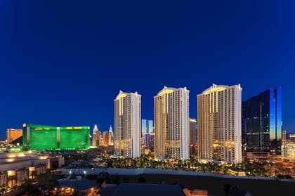 Featured Image | The Signature at MGM Grand