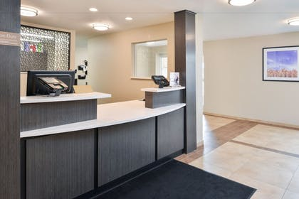 Lobby | Candlewood Suites Beaumont