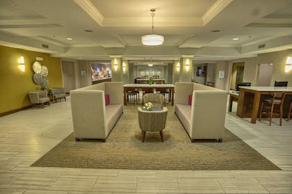 Lobby | Holiday Inn Express Hotel & Suites Pell City