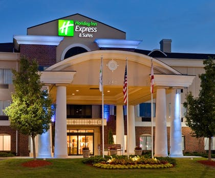 Exterior | Holiday Inn Express Hotel & Suites Pell City