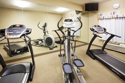 Fitness Studio | Holiday Inn Express Forest City