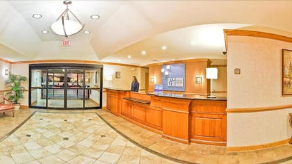 Interior Entrance | Holiday Inn Express Forest City