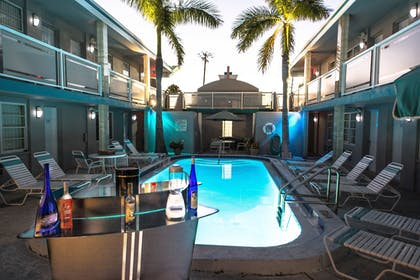 Outdoor Pool | Camelot Beach Suites