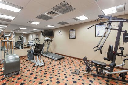 Fitness Facility | Days Inn & Suites by Wyndham Fort Pierce I-95