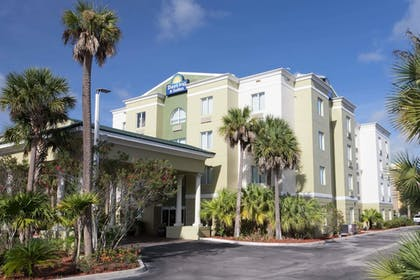Featured Image | Days Inn & Suites by Wyndham Fort Pierce I-95