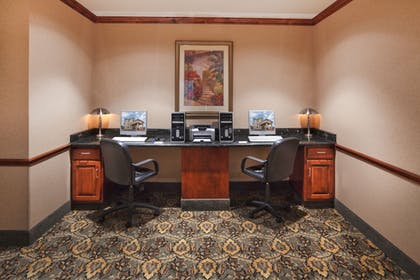 Business Center | Holiday Inn Express & Suites Woodward