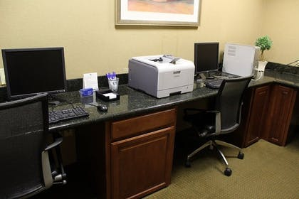Business Center | Holiday Inn Express Hotel & Suites Tehachapi