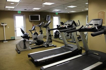 Fitness Facility | Holiday Inn Express Hotel & Suites Tehachapi
