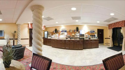Breakfast Area | Holiday Inn Express Hotel & Suites Clewiston