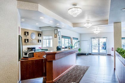 Lobby | Comfort Inn and Suites Salem
