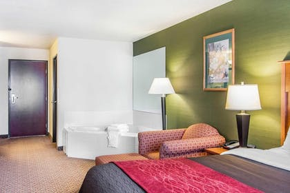 Guestroom | Comfort Inn and Suites Salem
