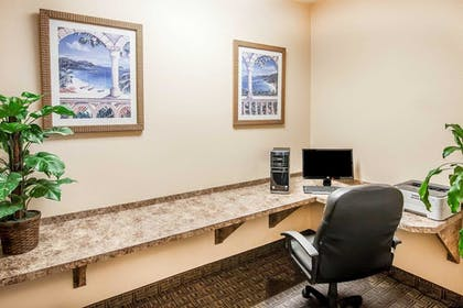 Business Center | Comfort Inn and Suites Salem
