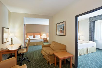 Room | Holiday Inn Express & Suites South - Lincoln
