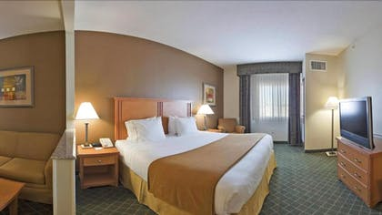 Guestroom | Holiday Inn Express & Suites South - Lincoln