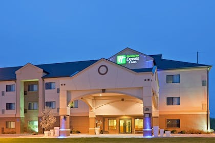 Exterior | Holiday Inn Express & Suites South - Lincoln