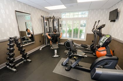 Fitness Facility | West Inn & Suites