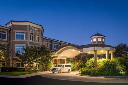 Hotel Front - Evening/Night | West Inn & Suites