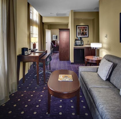 Living Area   Courtyard by Marriott Kansas City Country Club Plaza