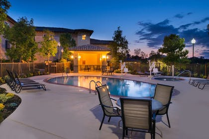 Outdoor Spa Tub | TownePlace Suites by Marriott Thousand Oaks