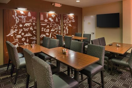 Lobby Sitting Area | TownePlace Suites by Marriott Thousand Oaks