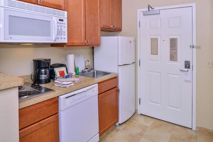 In-Room Kitchenette | TownePlace Suites by Marriott Thousand Oaks
