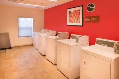 Laundry Room | TownePlace Suites by Marriott Thousand Oaks