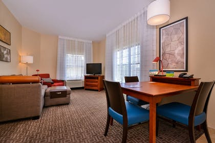 Living Room | TownePlace Suites by Marriott Thousand Oaks