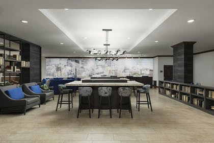 Lobby Sitting Area | Courtyard by Marriott Austin Downtown/Convention Center