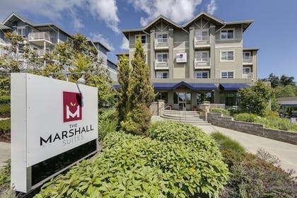 Hotel Entrance | The Marshall Suites