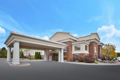 Exterior | Holiday Inn Express Hotel & Suites Rochester - Victor