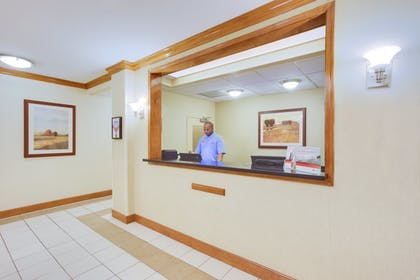 Interior | Candlewood Suites Virginia Beach/Norfolk