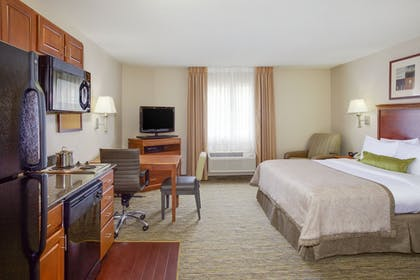 Guestroom | Candlewood Suites Virginia Beach/Norfolk