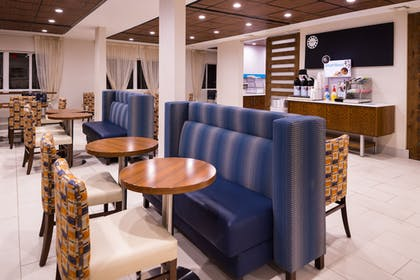 Restaurant | Holiday Inn Express Hotel & Suites Alamogordo Hwy 54/70