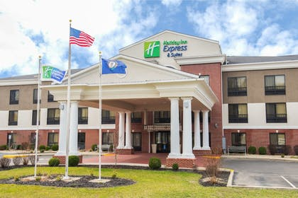 Exterior | Holiday Inn Express & Suites Ashland
