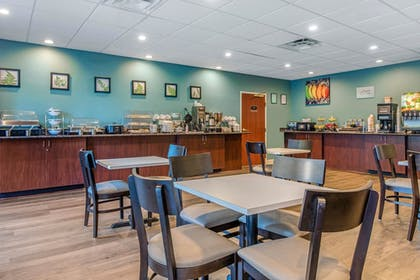 Breakfast Area | Sleep Inn & Suites Auburn