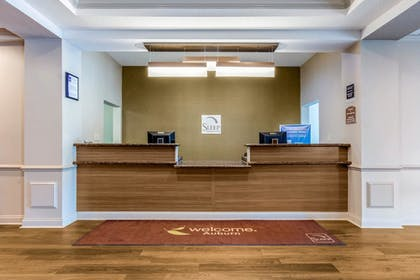 Lobby | Sleep Inn & Suites Auburn